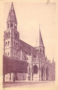 The Church: Collégiale Notre Dame de Poissy